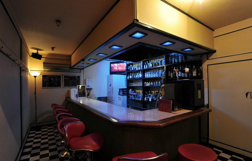 【笹塚】Bar-nny's(バーニーズ)店内画像